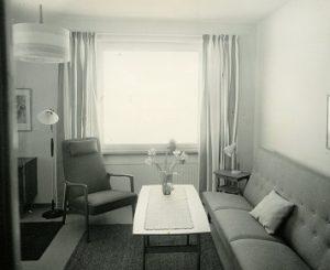Interiör från ungkarlsbostad i Fagersta år 1962. Ur Fagersta bruks arkiv